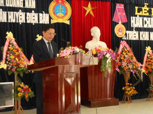 Đồng chí Lê Thân - Bí thư Huyện ủy Điện Bàn phát biểu tại buổi lễ.